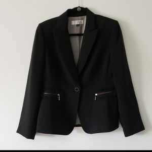 Tahari EUC Black Pinstripe  Blazer Size 10
